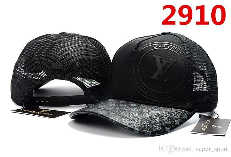 63e199a7259 New Designer Men s Adjustable Baseball Cap Brand Luxury Women Casual  Outdoor Sports Hat Fashion Ladies Sun Caps Tide Hats Bone Gorras Baseball  Cap Designer ...