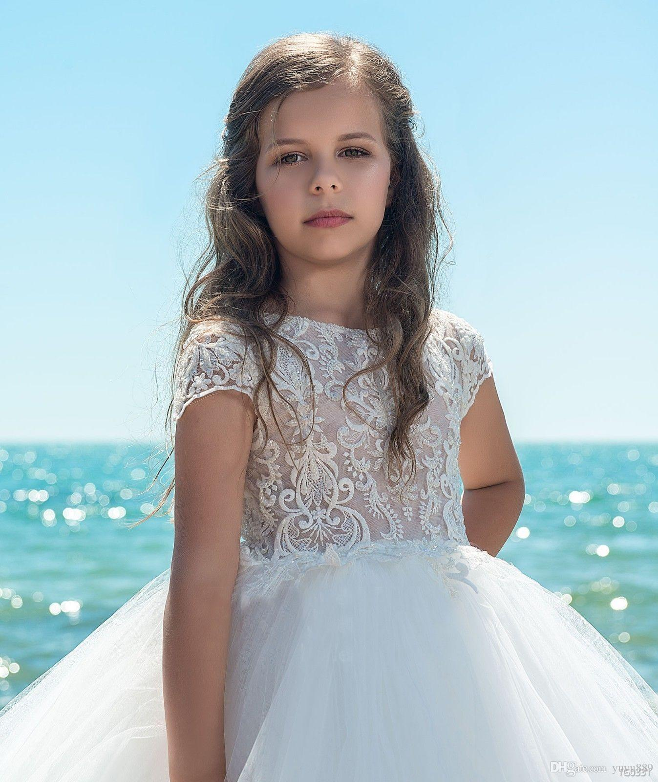 2017 Blush Pink Vintage Flower Girl Dresses For Wedding Custom Made Princess Tutu Sequined Appliqued Lace Bow Kids First Communion Gowns