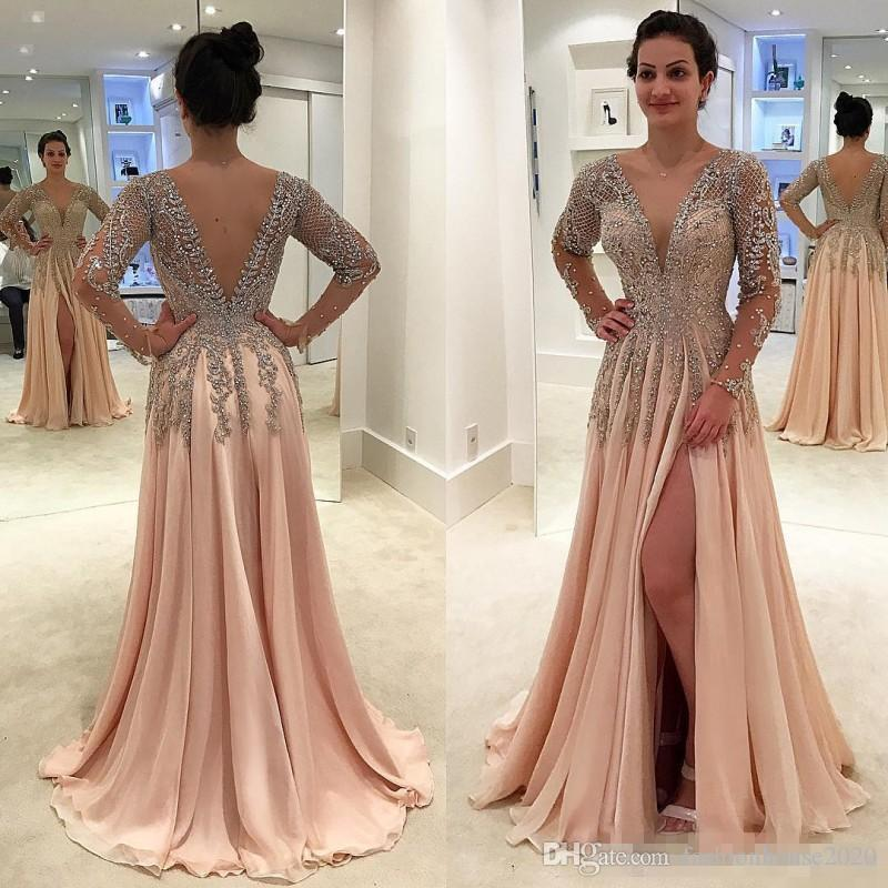 9a81f52610de 2018 Sparkly cristalli Backless abiti da sera indossare scollo av profondo  che borda abiti da ballo piano lunghezza maniche lunghe chiffon Split Side  Party ...