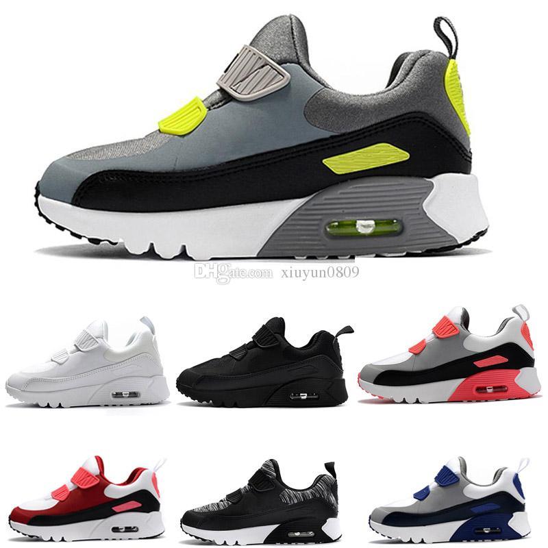 c98a4d8318786 Acheter 2018 Nike Air Max 90 Bébé Bébé Garçon Fille Enfants Jeunesse  Enfants 90s Running Chaussures De Sport Pirate Noir Classique 90 Sneakers  Eur 28 35 De ...