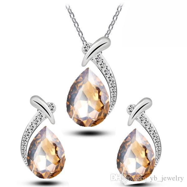 Monili del pendente della collana di strass orecchini set Classic Swarovski Elements 9 donne di colori moda opzionale forma di goccia di cristallo naturale