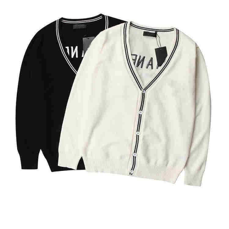 Compre 2018 Nuevas Mujeres Diseñador Cardigan Suéteres De Color Sólido  Marca Mujeres Suéter Chaquetas Casual Con Cuello En V Suéteres Femeninos  Ropa Para ... f887ac11044e