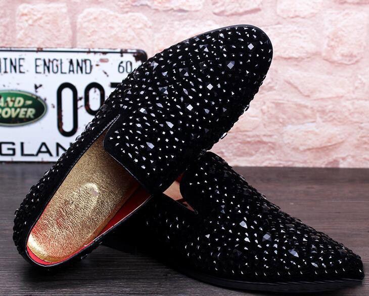 새로운 민들레 스파이크 플랫 가죽 신발 캐주얼 다이아몬드 지적 발가락 신발에 라인 석 패션 남자로 퍼 복장 신발 슬립 size38-43