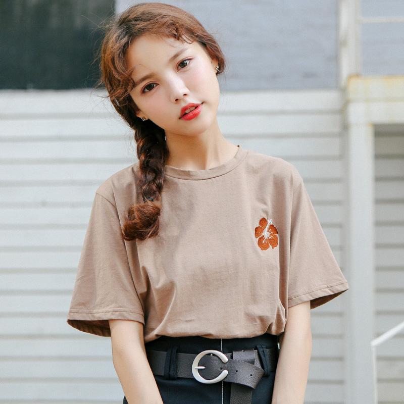 e7442f6e788f 2018 Women S Japanese Harajuku Ulzzang Summer Petals Embroidery Cotton T  Shirt Female Korean Kawaii Cute Tee And Top For Women Mens T Shirt Cool  Tshirt ...