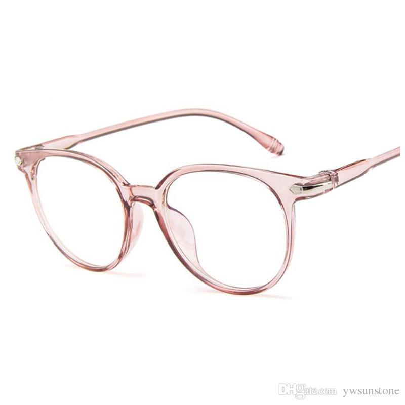 66e8d9bba2ccf Compre 2018 Moda Feminina Óculos De Armação Homens Óculos De Armação Do Vintage  Rodada Lente Clara Óculos Espetáculo Óptico Quadro De Ywsunstone