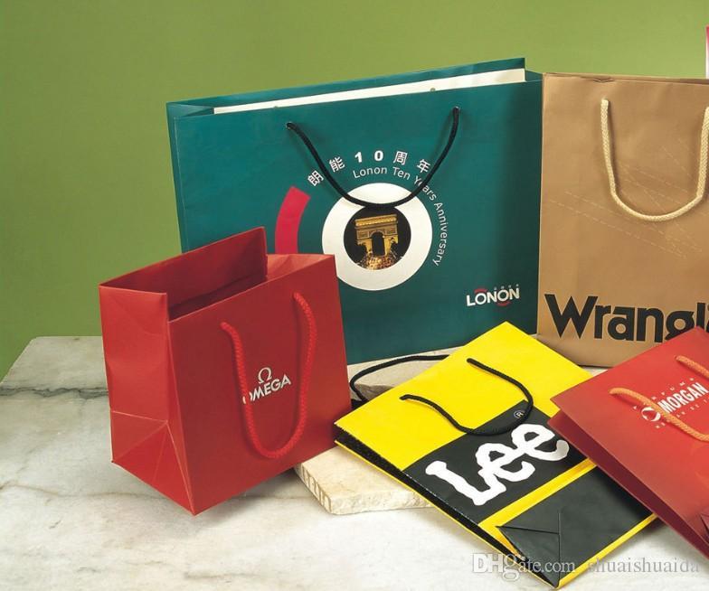 Print custom clothing handbag. Kraft paper bag. Gift shopping ad paper bag. Customizable. Gift handbag. Specification 30*20*8. Add LOGO.