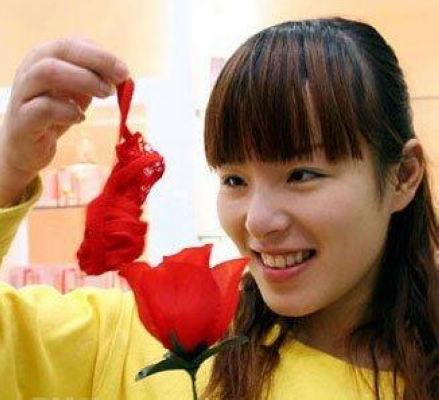 Ücretsiz Kargo ePacket sevgililer günü güller lady seksi tanga itiraz bayan T / T güller iç çamaşırı toptan