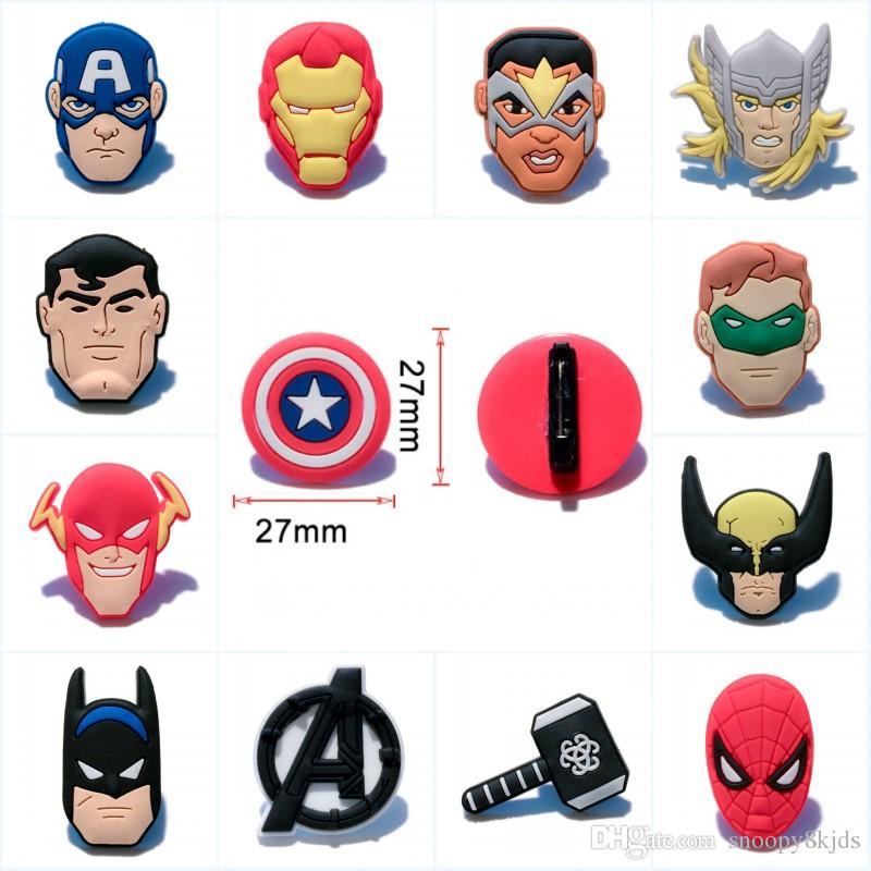Avengers Cartoon Coole Figuren Pvc Broschen Symbol Abzeichen Pins Kleidung Tasche Hut Schuhe Zubehör Home Decor Diy Graft Kids Favor Party