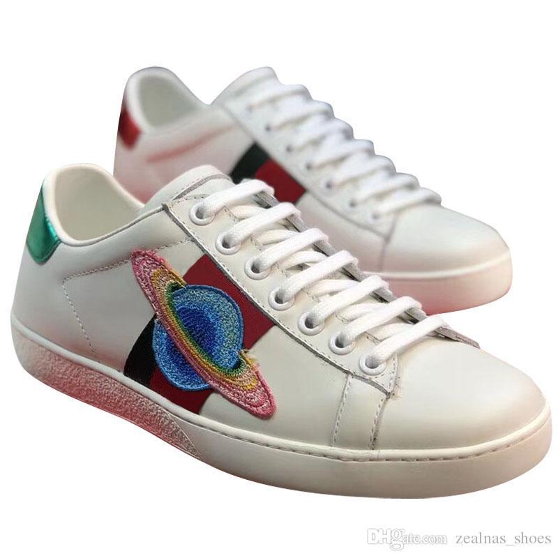 e31422b2 Compre Alta Calidad Hombres Mujeres Marca Diseñadores Amantes De La  Zapatilla De Cuero Genuino Azul Verde Raya Roja Abeja Planeta Tigre Bordado  Zapatos De ...