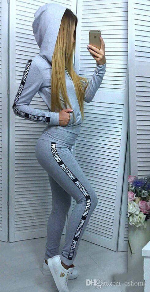 2018 European and American new fashion brand design ladies sportswear knitwear classic fashion ladies apparel