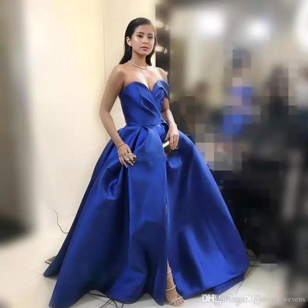 Modest Blue A Line Vestidos de noche Cariño Frente Dividido Satinado Vestidos de fiesta formales Fruncido Más Tamaño Vestido largo para celebridades