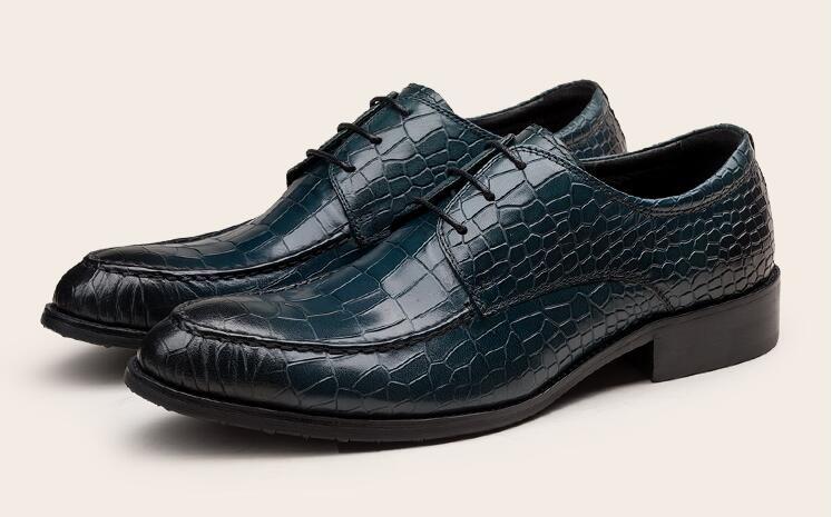 dd3e95b0f41ed Acquista Scarpe Eleganti Uomo Stringate In Vera Pelle Stampa Alligatore  Patchwork Scozzese Elegante Casual Scarpe Derby Blu Scuro Scarpe Singole  Estive A ...