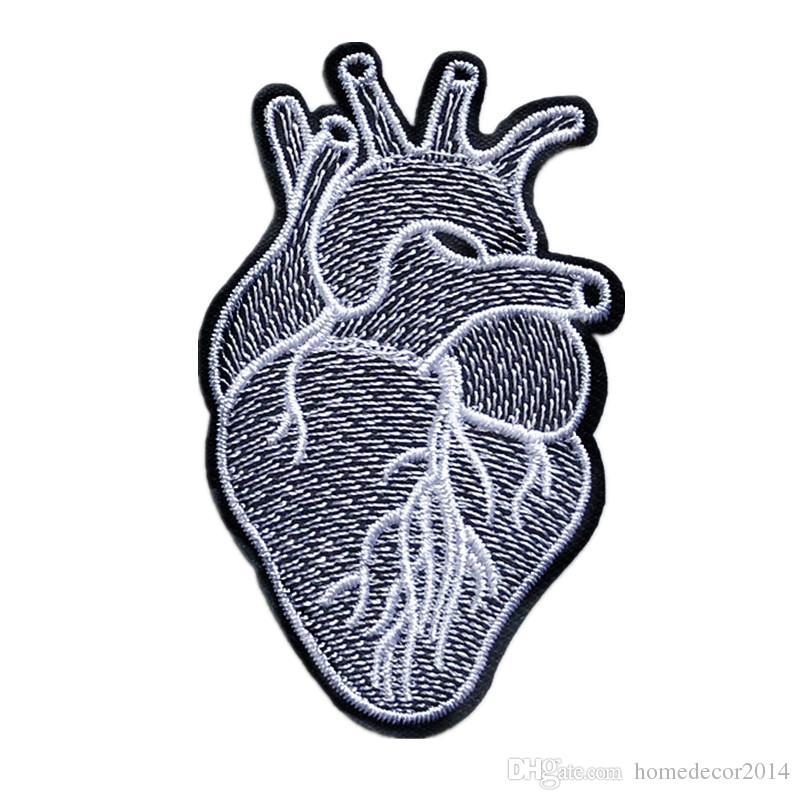 Remendo Bordado Estrutura Do Coração Costurar Ferro Em Patches Emblema Para O Saco De Calça Jeans Chapéu Apliques Diy Etiqueta Decoração Acessórios De