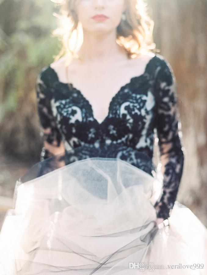 Späteste schwarze Spitze und weißer Tulle-Hochzeits-Kleider reizvolle V-Ausschnitt Backless Illusion-lange Hülsen, die Brautkleider Gothic Brautkleider Wedding sind