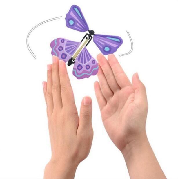 Yaratıcı Yeni boş eller özgürlük ile sihirli kelebek uçan kelebek değişim kelebek sihirli sahne sihirli hileler