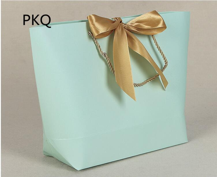 21x7x17cm Solid Color Kraft Paper Gift Bags With Handles Clothes