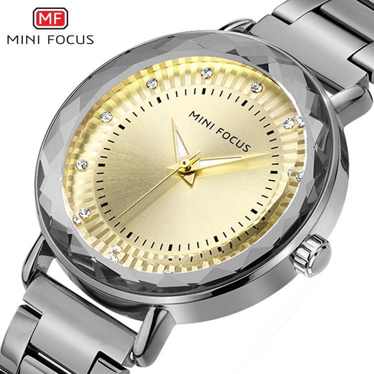 af457c29410 Compre MINIFOCUS Top Marca De Quartzo Das Mulheres Relógio De Prata Das  Senhoras Pulseira Relógios Para A Mulher Vestido De Luxo Strass Femme  Relógio De ...