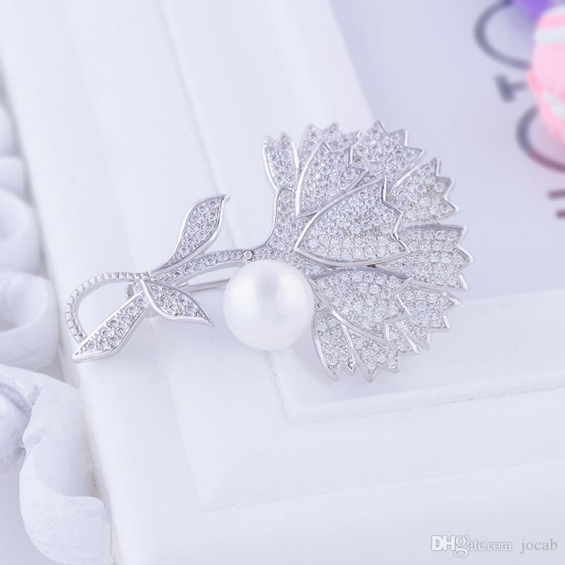 Wholesale Handmade Diy Overcoat Finding Elegant Zirconia Rhinestone Coat Brooch Pins Pearl Flower Brooches Women Clothes Accessories Broches