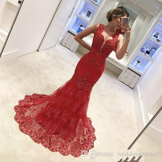 2018 Graceful Red Long Mother Of the Bride Dresses Sleeveless With Lace Appliques Pleats Pattern Women Evening Prom Dresses