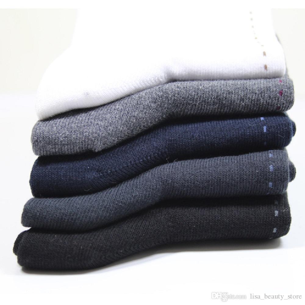 es en gros nouvelle marque de base coton hommes chaussettes creuses respirant chaussettes d'hiver haute qualité chaussette pour hommes