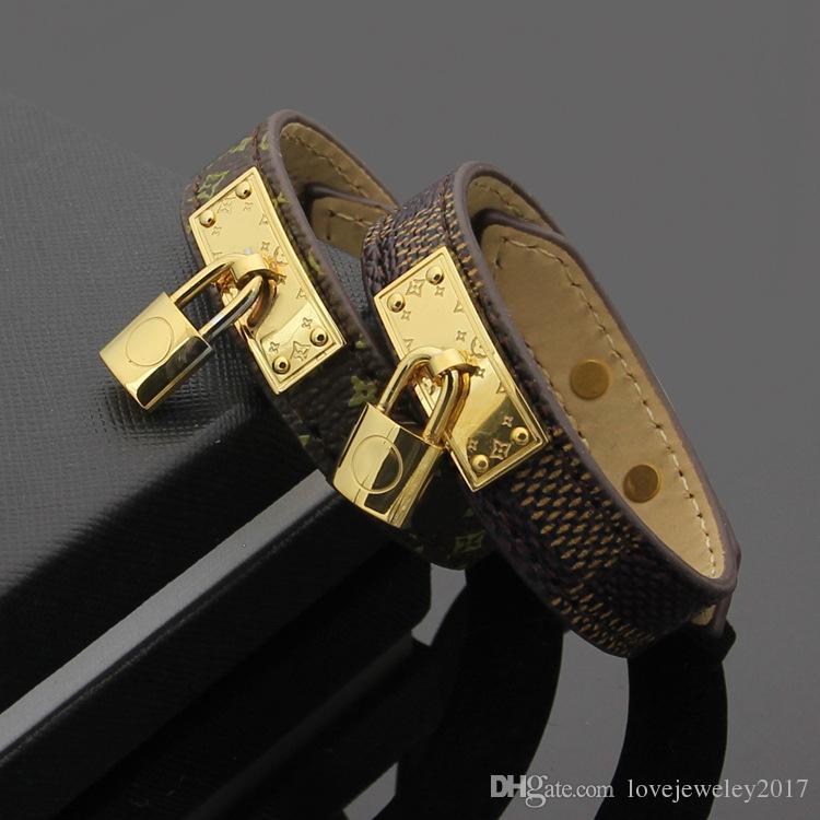 bracelets en cuir véritable avec des accessoires de verrouillage or conçoivent pour les femmes 316L Titanium acier motif de fleurs bracelet marque même bijoux de mode