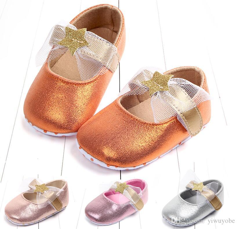 f3d09f75bcac 2019 2018 New Designs Glitter Baby Girls Shoes Soft Sole Spring Princess  First Walkers For Newborn Baby Mix Four Colors From Yiwuyobe, $3.53 |  DHgate.Com