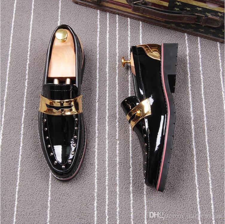 2018 Yeni stil Bahar Perçin Moda Erkekler Sivri Patent Loafer'lar Parlak Erkekler Deri Flats Oxford Sivri Burun Deri Düğün Ayakkabı L60