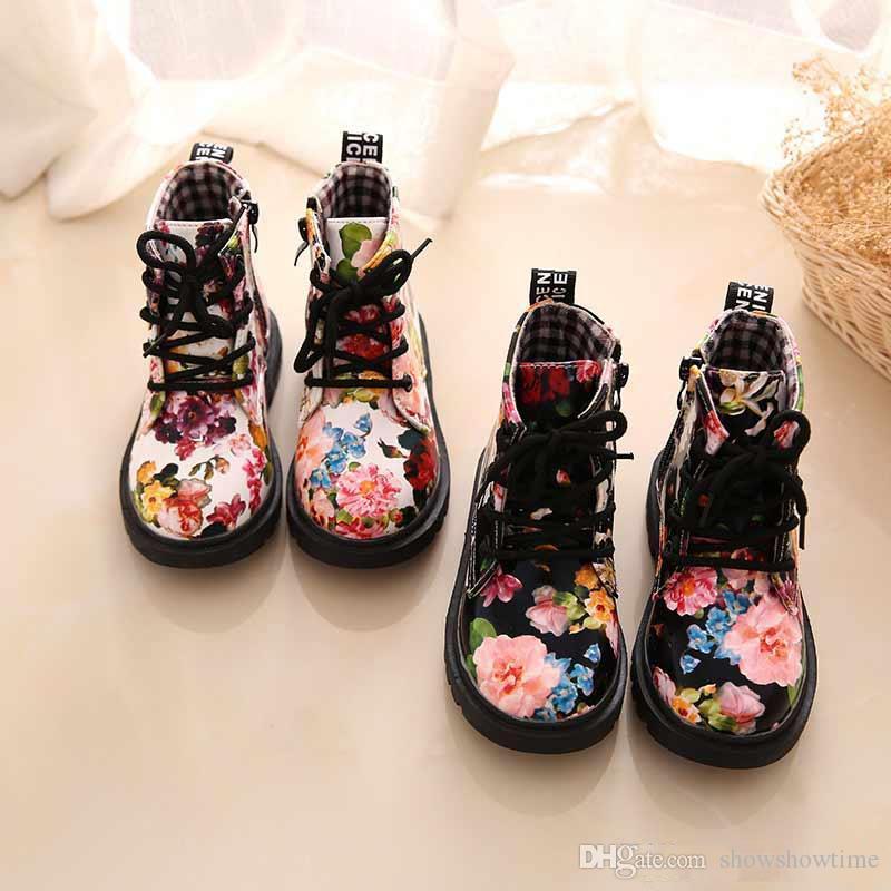 Lüks Çiçek Tasarımcı Ayakkabı Çocuk Moda Çizmeler PU Deri Sevimli Bebek Çizme Çiçek Baskı Ayakkabı Çocuklar Martin Çizmeler