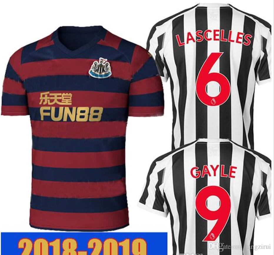 b2dd6042f318b Acquista Top Thailand 18 19 Newcastle United Soccer Jersey 2018 2019 GAYLE  Maglia Da Calcio RITCHIE SHELVEY Newcastle Kit Camiseta AYOZE PEREZ Maillo  A ...