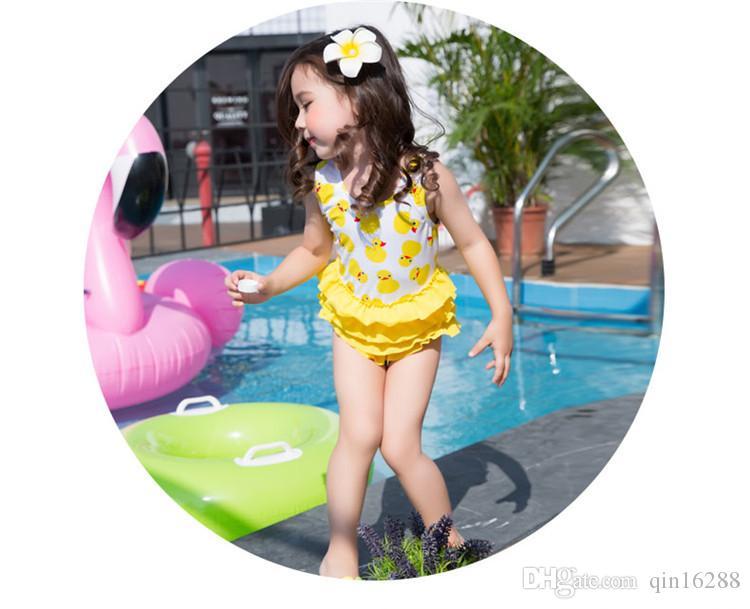 2018 Costume da bagno bambini Bikini Costume da bagno bebè Ruffle Swing Vestito bambini coordinato Cappello bambini Yellow Duck Girl Costume stampato principe