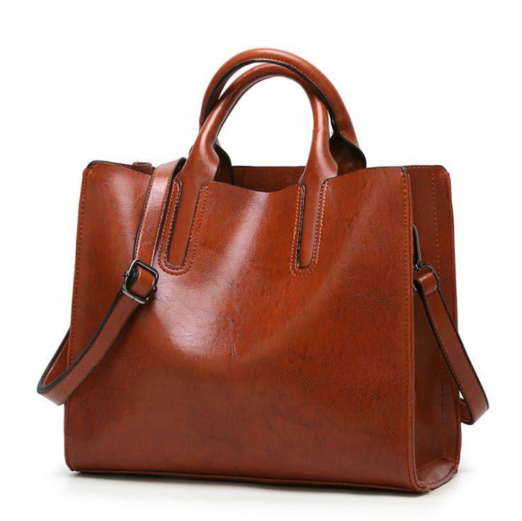 79fe993aac89 Fashionable Women s Bag 2018 Summer New Lady Hand Bag Fashion Single  Shoulder Carry on Bag Travel Ladies Big Size Handbag Wholesale Big Size  Handbag ...
