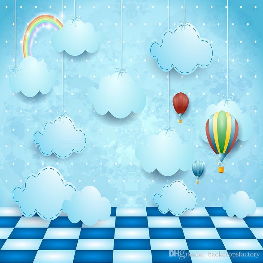 Acquista Cartone Animato Arcobaleno Appeso Nuvole Sfondo Blu
