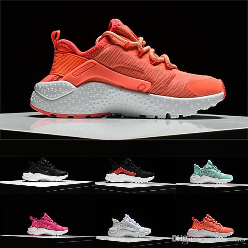 8331c4ac7e8c2e Großhandel Nike Air Huarache 2018 Klassische Huaraches Ultra Atmungsaktive  Laufschuhe Big Kids Jungen Und Mädchen Luft Huarache Schuhe Athletic Sport  ...