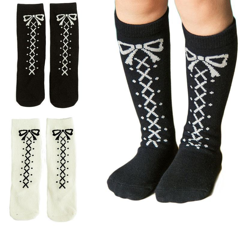 ecb237fee9e Acquista Sweet Princess Knee High Socks Shoelace Bowknot Stampa Design  Bambini Calzini Bianchi Neri Adatto 0 6y A  26.54 Dal Englishi