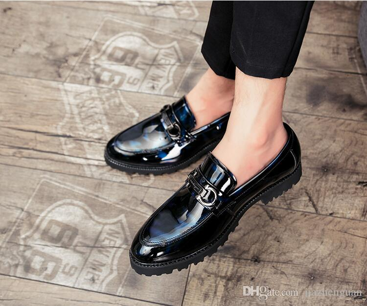 f0737a7303f Compre 2018 Nuevo Estilo Casual Zapato Hombre Verano Transpirable Marea  Zapatos Un Pie Pedales Perezoso Persona Beanie Shoes Inglaterra Social  Juventud ...