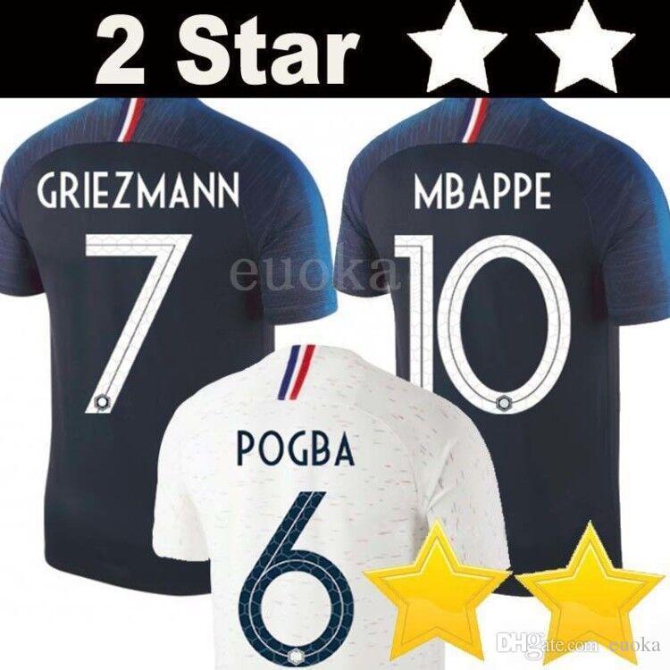 Compre 2 Estrelas Tailândia GRIEZMANN MBAPPE POGBA Camisas De Futebol 2018  Camisas Do Mundo Copa DEMBELE MARTIAL KANTE Camisas De Futebol GIROUD  Maillot De ... f437f6b13e3c2