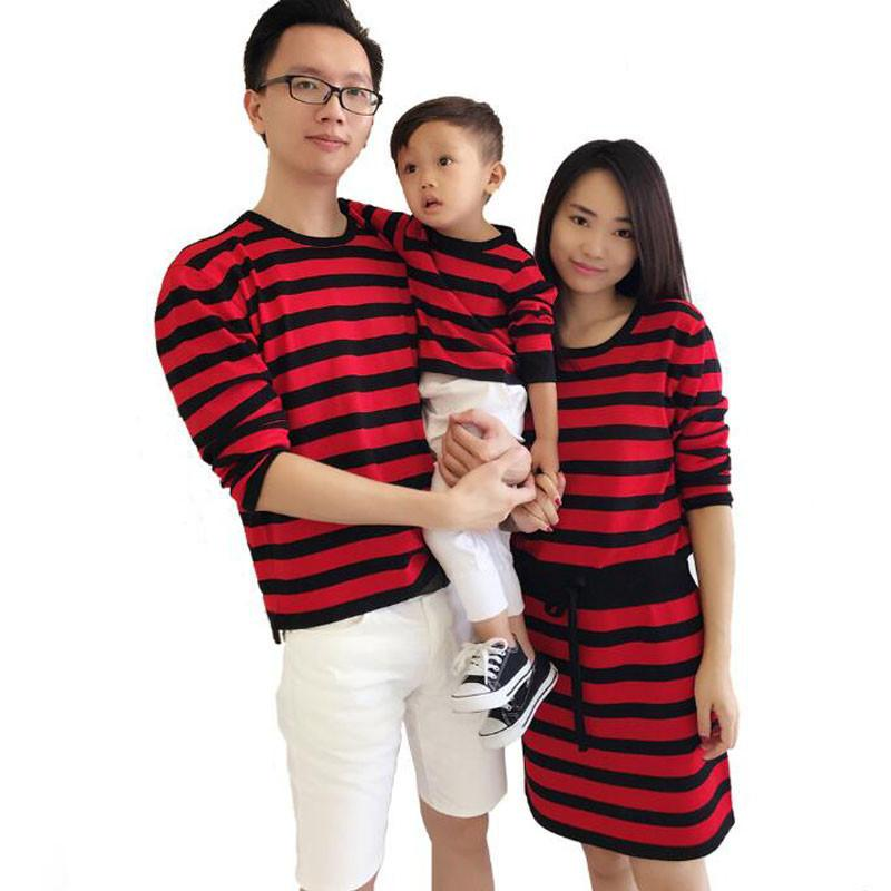 Family Matching Outfits Clothes 2018 Autumn Spring Sweater Family Look Matching  Clothes Mother Daughter Dresses Father Son T Shirts Family Dresses Matching  ... 9b7f4f0c8