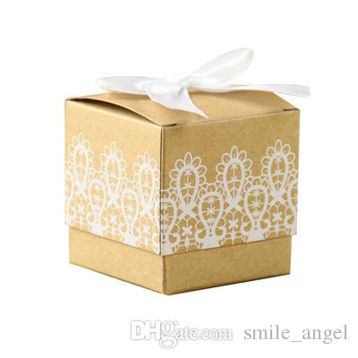 Beautiful Wedding Favors Party Gift Boxes Kraft Brown Paper with White Lace Floral Decorations Birthday Candy Boxes for Guests