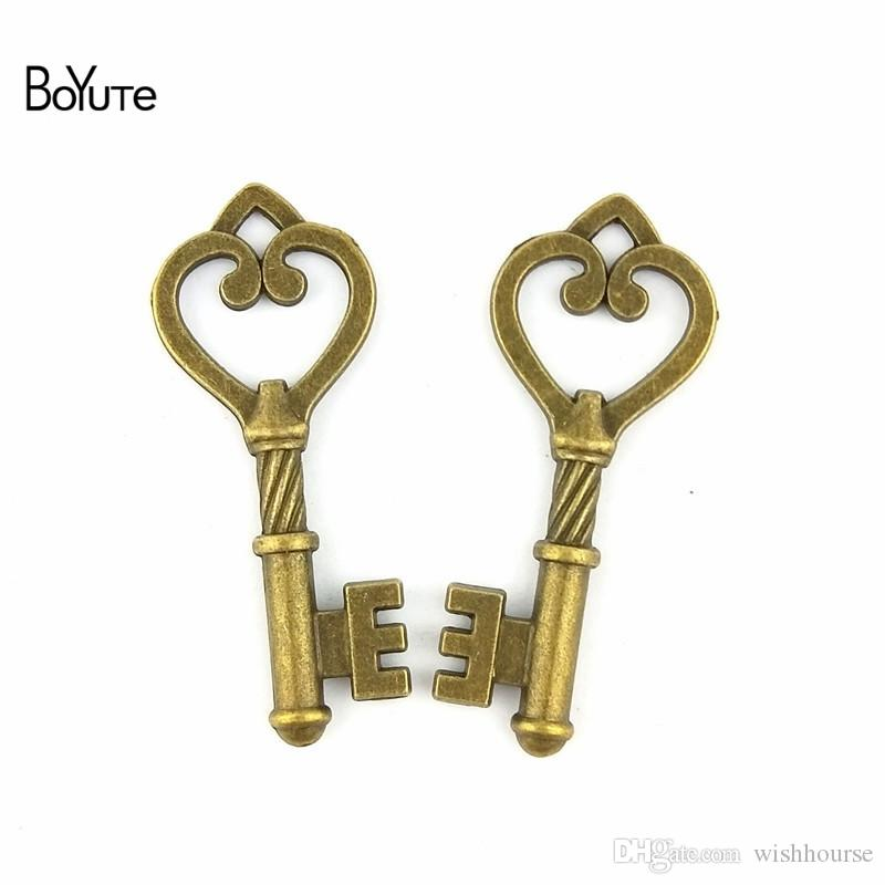 BoYuTe (60 Pieces/Lot) 46*19MM Antique Bronze Silver Plated Metal Heart Pendant Key Charms for Jewelry Making Diy Necklace Accessories