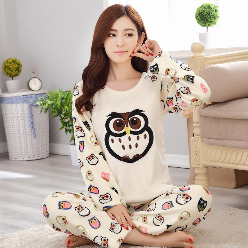 cc8361b8da Compre Conjuntos De Pijama De Las Mujeres De Franela Casual Otoño Invierno  De Dibujos Animados Pijamas Caliente Conjunto Homewear Tops + Pants Ropa De  ...