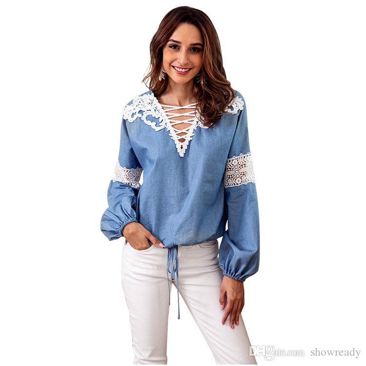 7163a1e40404 Moda camisa de mezclilla azul para mujer Nueva con cuello en v costura de  encaje mujer sexy tops de manga larga camiseta de las mujeres