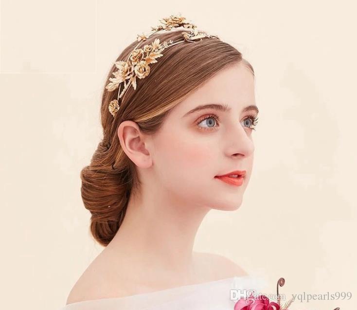The bride bride headdress headdress Golden hoop golden Dragonfly