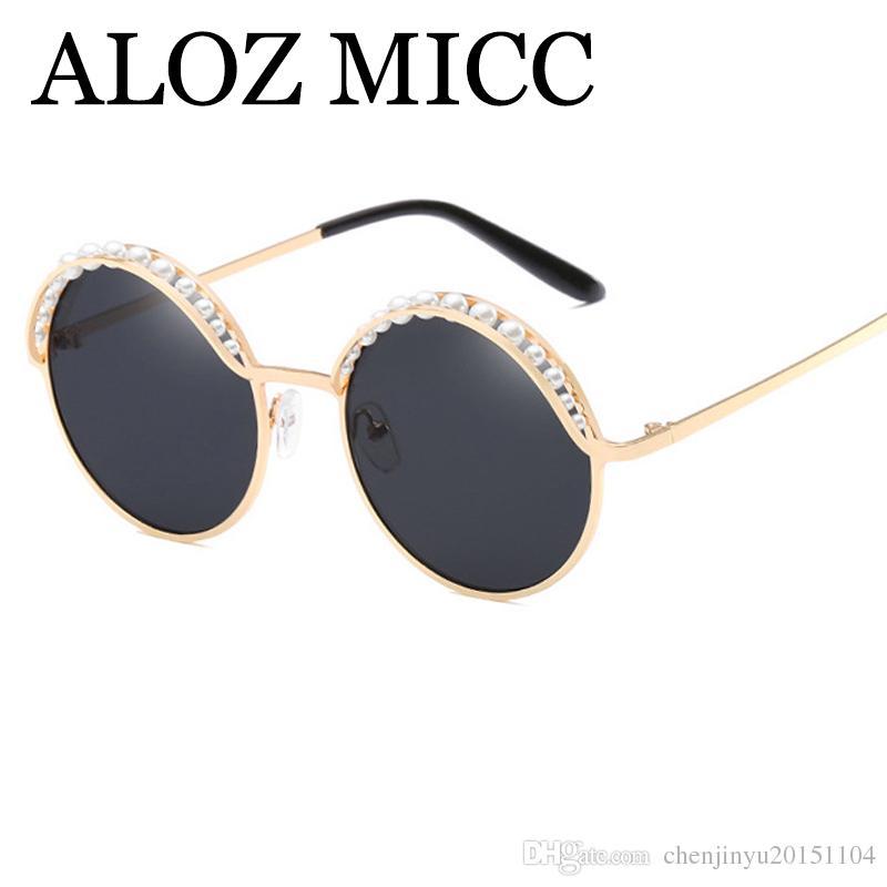 Compre ALOZ MICC Luxo Pérolas Rodada Óculos De Sol Das Mulheres Designer De  Moda Da Marca 2018 New Feminino Espelho Óculos De Senhoras Oculos UV400  A439 De ... 3077c88f20