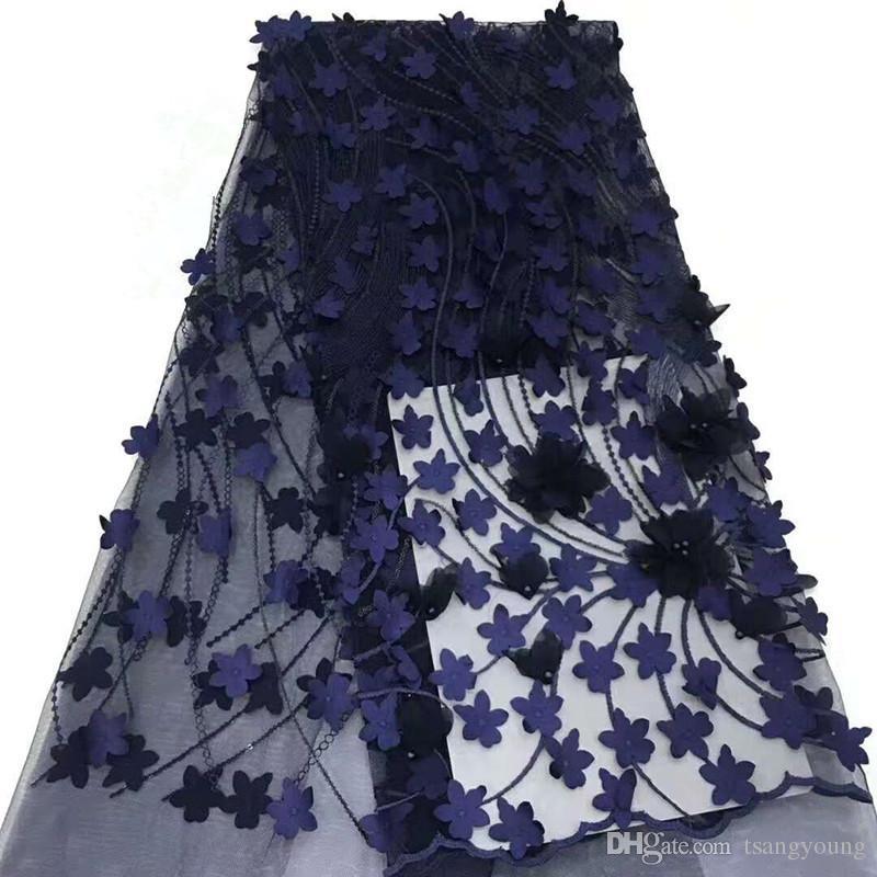 Acquista Tessuto Africano Del Merletto Con Il Fiore E Le Perle 3D Tessuto  Blu Del Merletto Di Alta Qualità Di Vendita Tessuto Del Merletto Blu Di Alta  ... a5ea9e87672