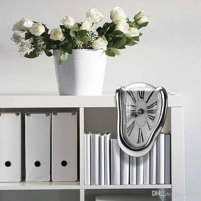 Venta al por mayor-Retro Reloj distorsionado en ángulo recto Reloj de pared Diseño moderno Tiempo de fusión Relojes sentados Decoración para el hogar Acepte reloj retro
