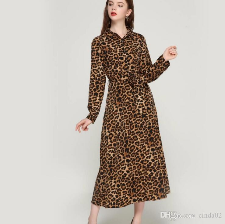 best service ed043 f89c6 Vestito lungo alla caviglia con maniche lunghe e maniche lunghe con maniche  lunghe e maniche lunghe con stampa leopardata