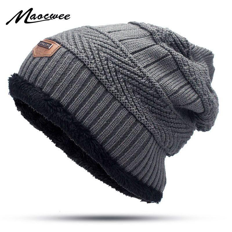 Compre Nuevos Hombres De Invierno Sombrero De Otoño Moda De Punto Negro Sombreros  De Esquí Grueso Cálido Sombrero Cap Bonnet Skullies Gorro De Punto Suave ... 6c0889af125