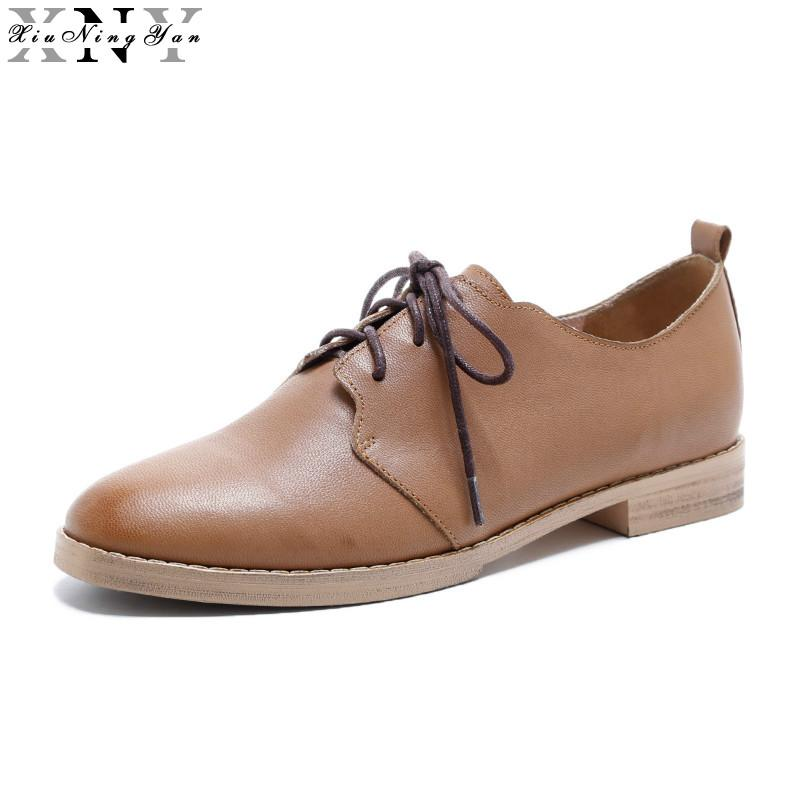 a4414e958b4 XIUNINGYAN Genuine Leather Flats Oxford Shoes Women Vintage Brogue Shoes  Brand 2017 Fashion British Style Women S Flat Plus Size Penny Loafers  Wedges Shoes ...