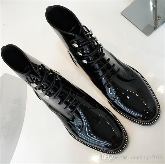 Nuove donne autunno punta a punta in pizzo moda -up stivaletti in vernice martin flat nero stivali