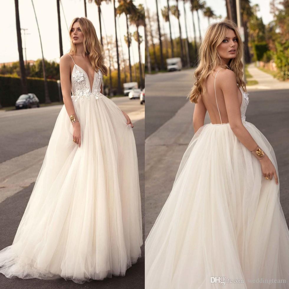2019 Berta 3d Appliqued Beach Wedding Dresses V Neck A Line Backless Boho Bridal Gowns Sweep Train Tulle Vestido De Novia